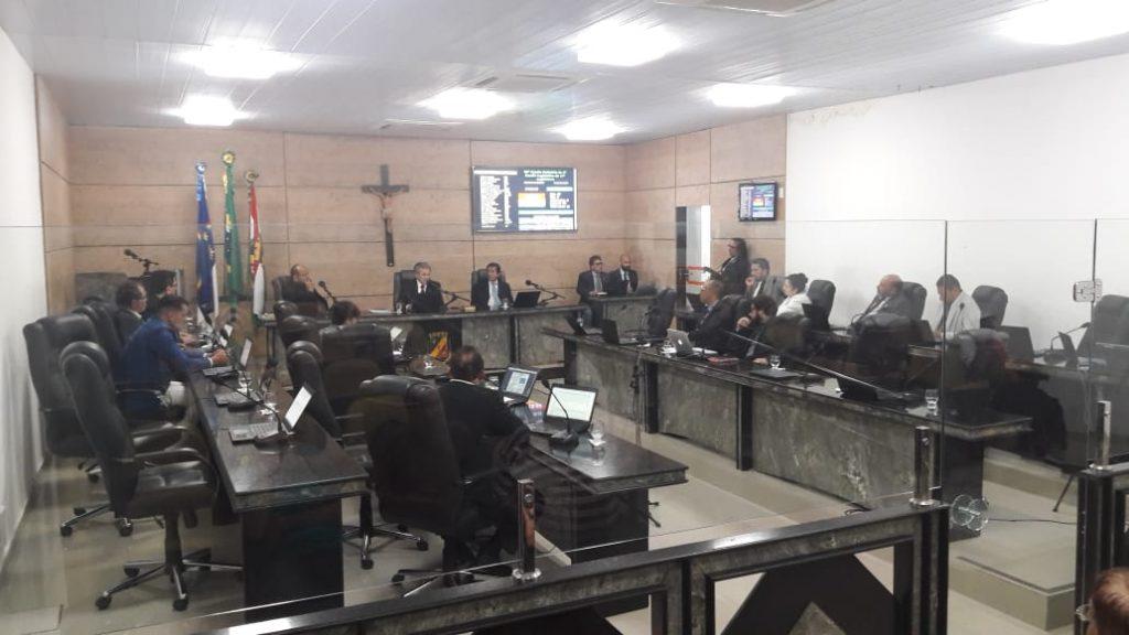 Vereadores de Caruaru debatem segurança pública e feira da sulanca em reunião ordinária