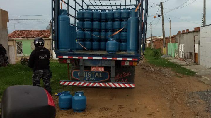 PM recupera carga de botijões de gás roubada em Gravatá