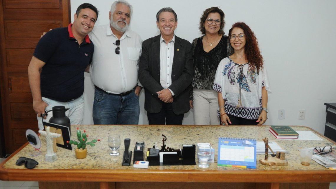Câmara de Caruaru recebe secretários municipais e volta a discutir parceria com TRT