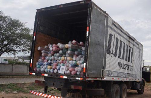 Carga de tecido é recuperada em Caruaru e caminhoneiro é assaltado em Cupira