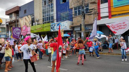 Mulheres realizam ato em Caruaru contra a reforma da Previdência e em homenagem a Marielle Franco