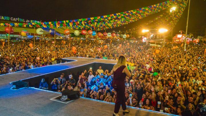 Marília Mendonça leva 80 mil pessoas para o Pátio de Eventos de Caruaru
