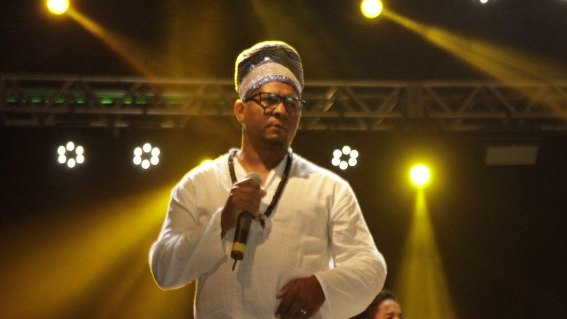 Primeira Noite Afro-Religiosa levou centenas de pessoas ao Polo Azulão nesse domingo (16)