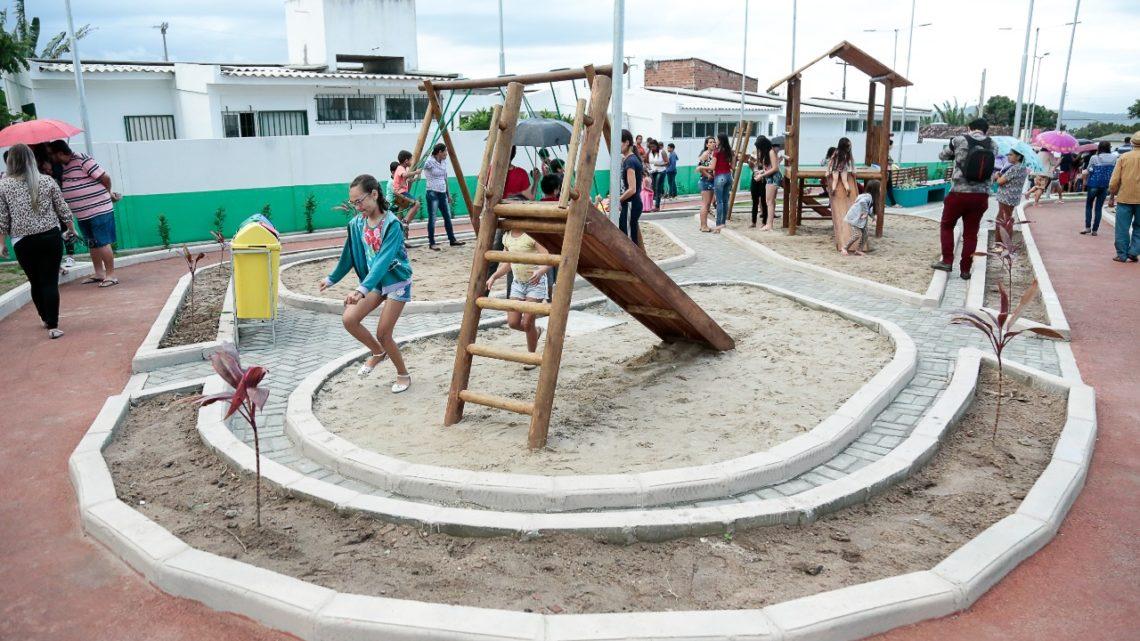 Praça é inaugurada na Vila Peladas em Caruaru