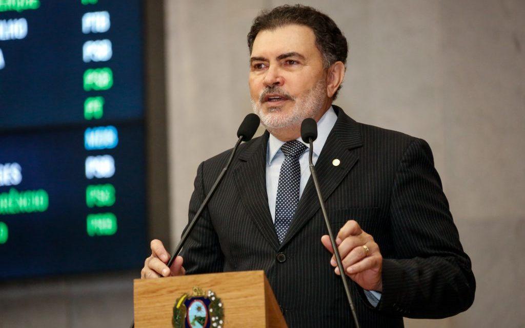 Tony Gel pede que Compesa mantenha abastecimento de água na zona rural de Caruaru