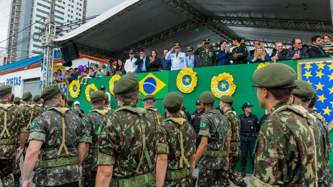 Milhares de pessoas celebram a Independência do Brasil em Caruaru