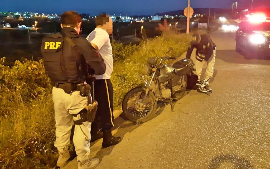 Motocicleta furtado há 11 anos no Recife é recuperado pela PRF em Caruaru
