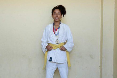 Aluna de escola municipal é destaque nos Jogos Escolares da Juventude e traz o ouro para Caruaru