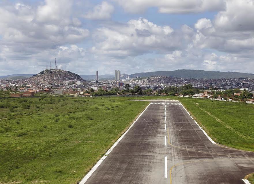 Governo do Estado lança em dezembro edital de licitação para balizamento noturno do Aeroporto de Caruaru
