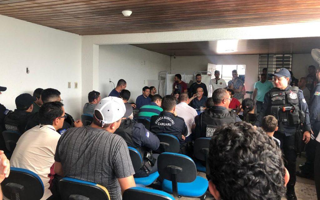 Servidores da Destra decretam estado de greve e denúncia sobre multas de trânsito vai parar no Ministério Público