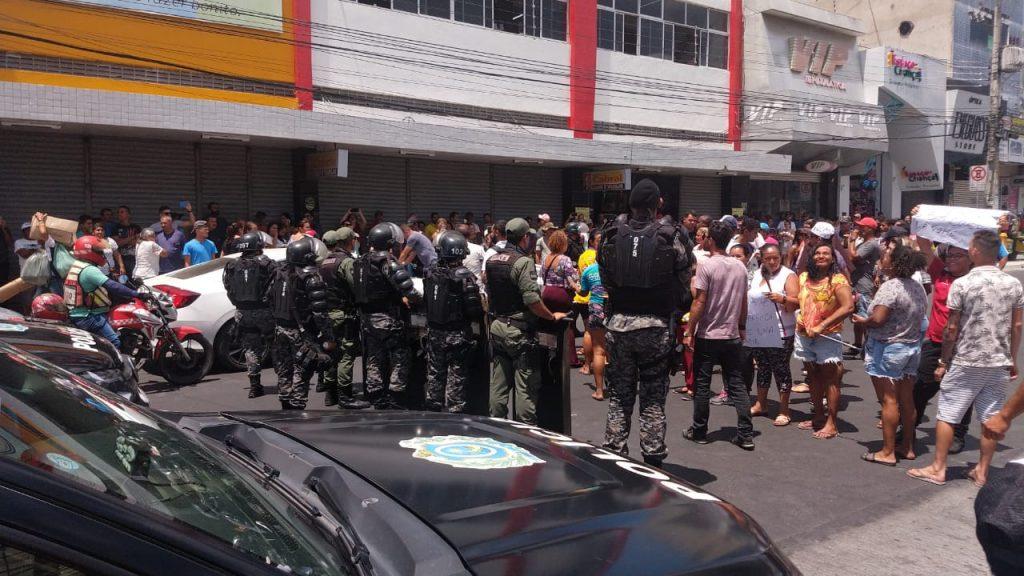 Prefeitura de Caruaru emite nota sobre protesto de ambulantes ocorrido nesta terça (12)