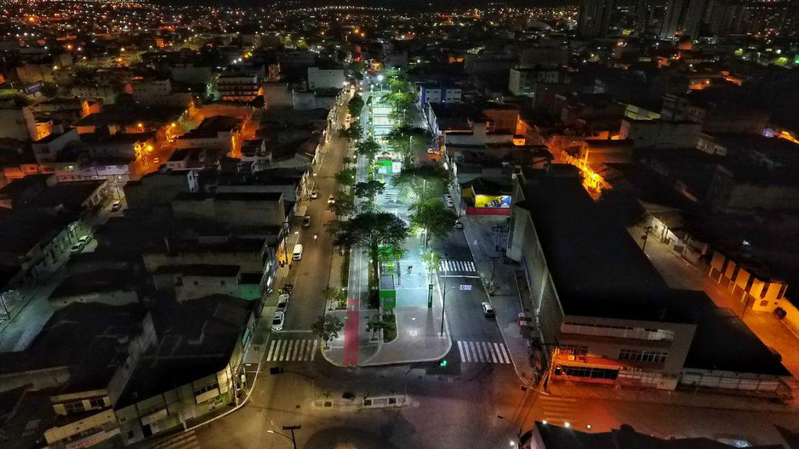 Ilumina Caruaru já realizou sete mil instalações de luminárias de LED em toda área urbana e na zona rural de Caruaru