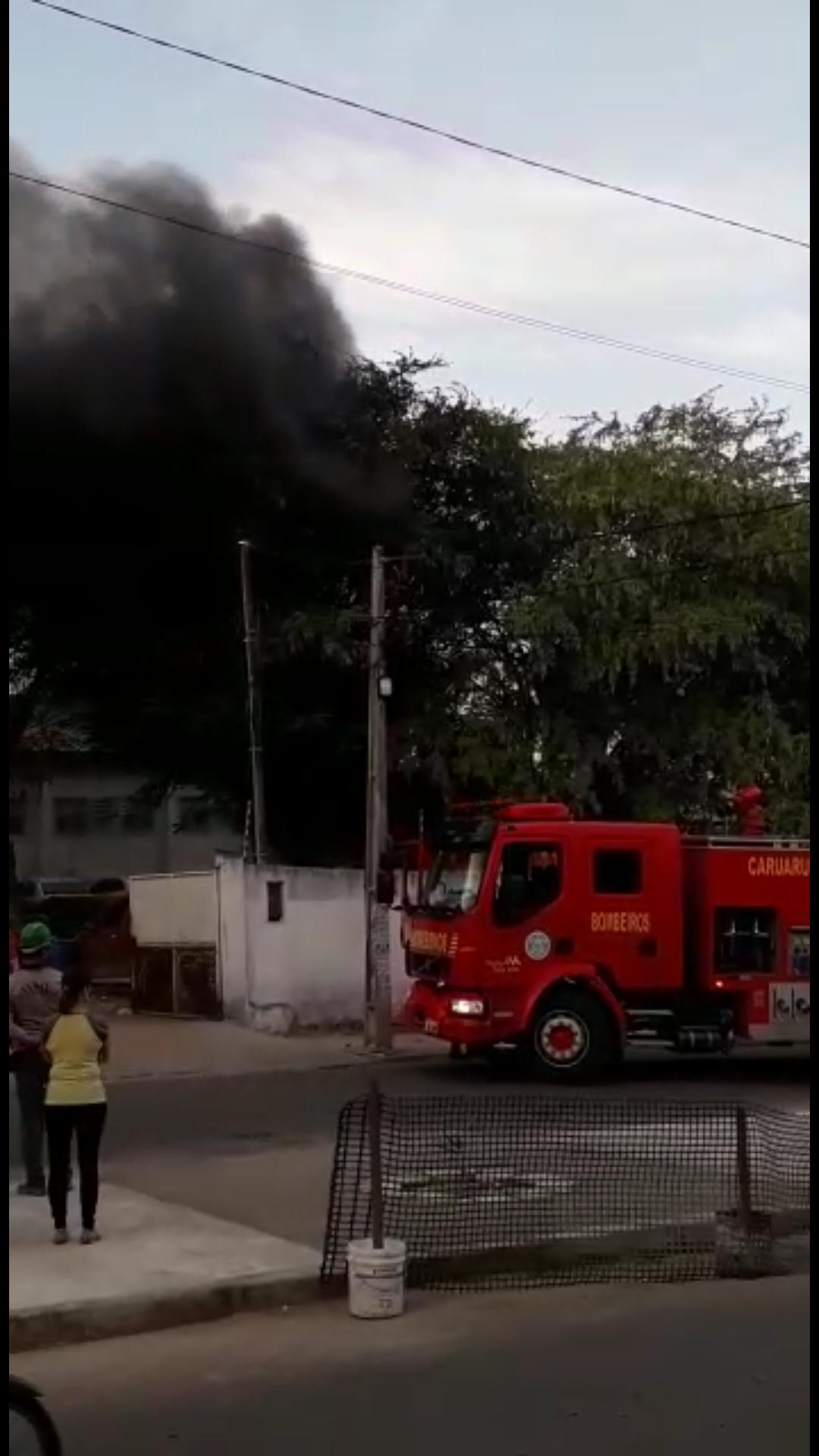 Incêndio no depósito de veículos apreendidos em Caruaru