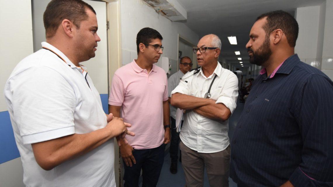 Deputado Lessa faz visita ao HRA em busca de soluções
