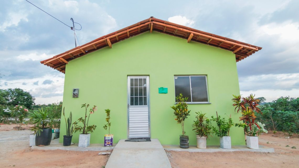 Mais 17 famílias da zona rural de Caruaru recebem imóveis do PNHR