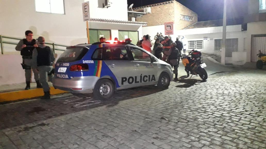 Tentativa de assalto termina com policial e assaltante mortos em Bezerros