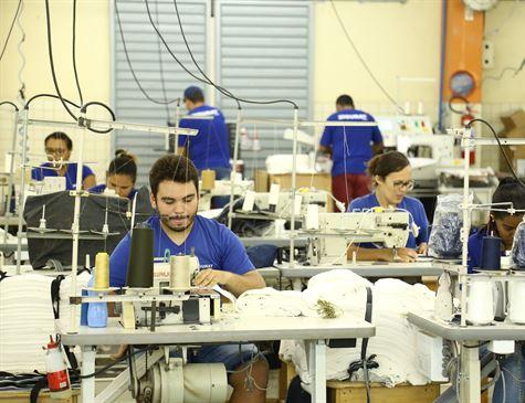 Covid-19: Empresas do polo de confecções do produzem EPIs para evitar demissões