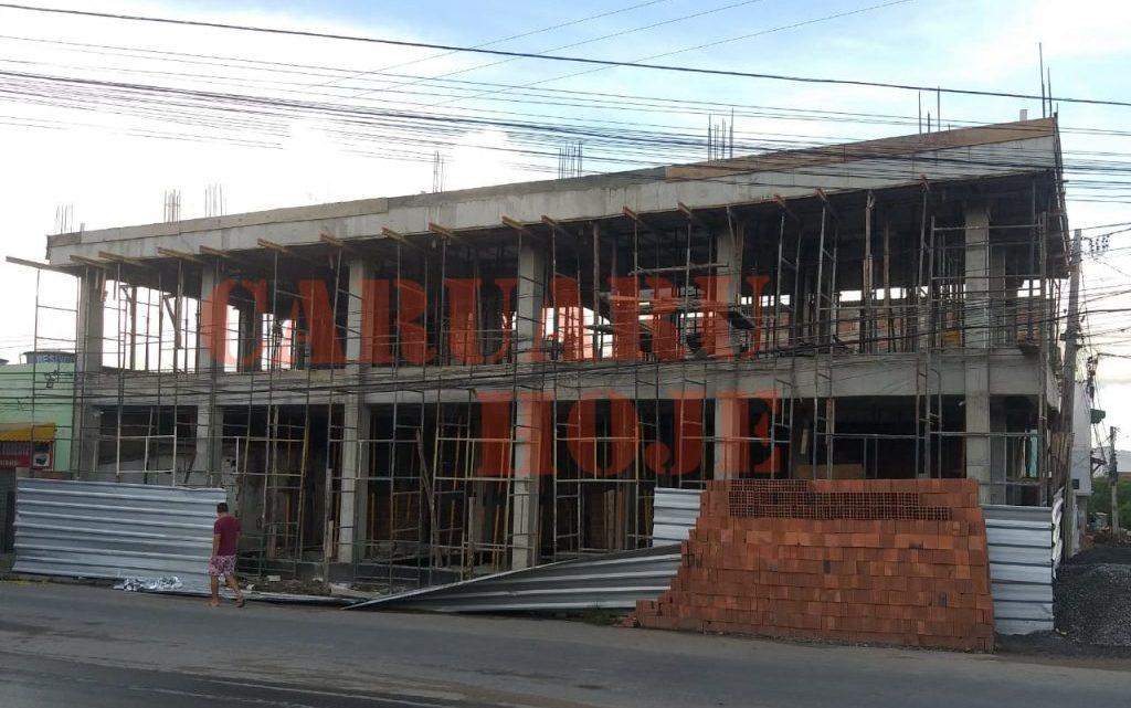 Jovem morre eletrocutado em construção em Caruaru