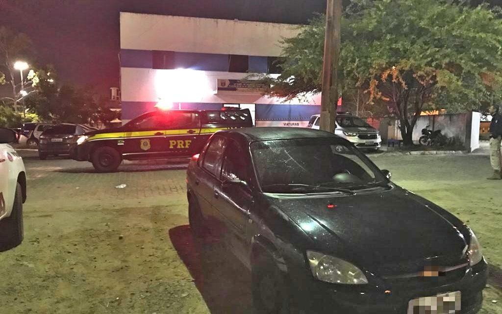 Trio é flagrado com carro de aplicativo roubado em Caruaru
