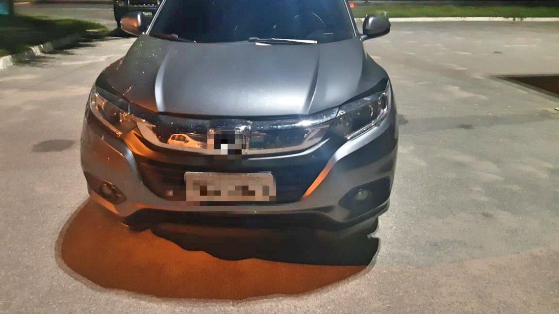 Dupla é detida em São Caitano com carro de luxo roubado
