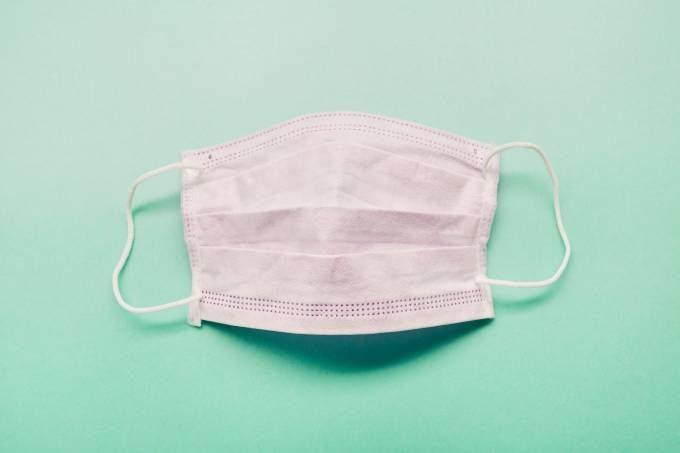Sindloja sugere aos poderes públicos o uso obrigatório de máscaras