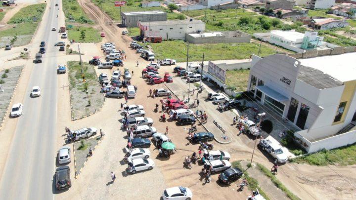 Grande movimentação de sulanqueiros em Toritama neste domingo (28)