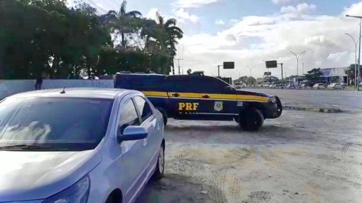 Procurado por homicídio, roubo e tráfico de drogas é detido no Recife com CNH falsa