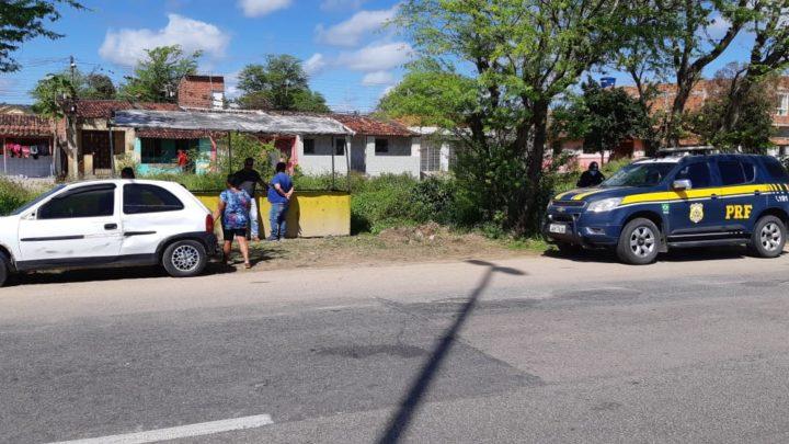 Homem morre após moto colidir em carro na BR-232 nesta terça-feira (28)