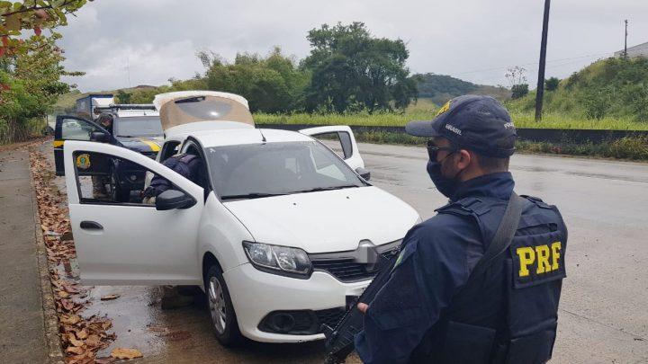 Operação da PRF apreende 23 veículos ilegais e detém 38 pessoas em Pernambuco