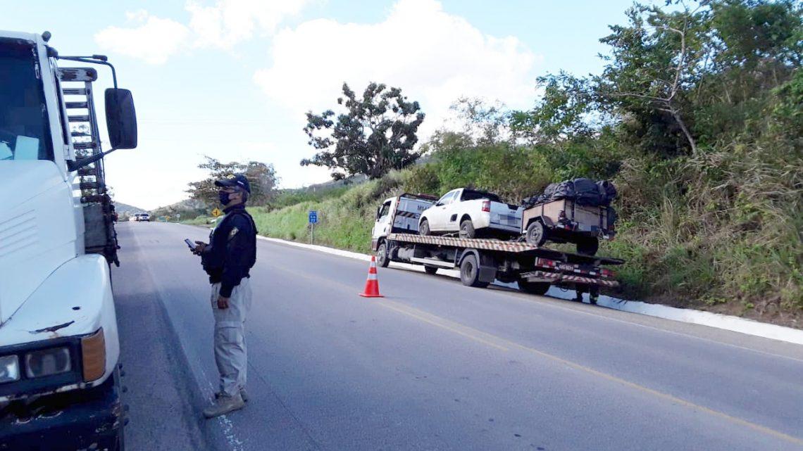 PRF recolhe 28 veículos irregulares na BR 104 em Caruaru