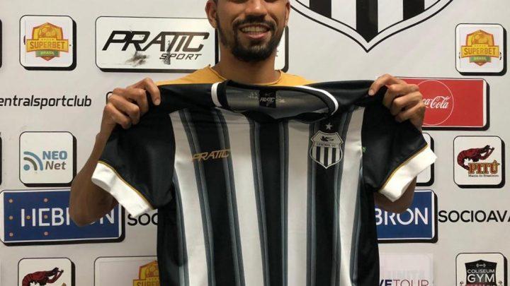 Zagueiro com passagens pelo futebol catarinense e baiano é contratado pelo Central de Caruaru