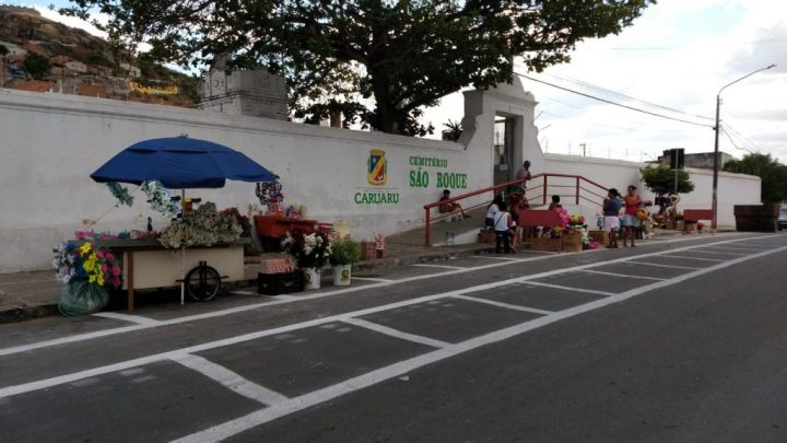 Cemitérios de Caruaru estarão abertos para visitação no Dia de Finados