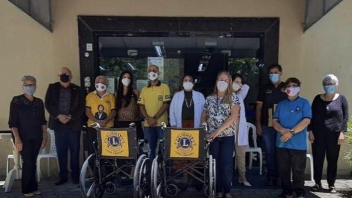 Lions Caruaru realiza doação de cadeiras de rodas para o Hemope