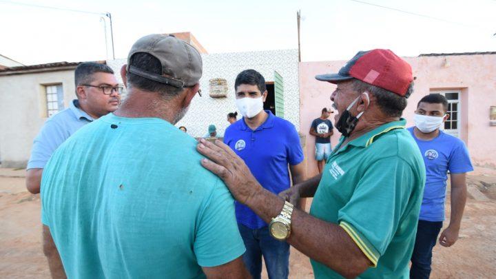 Lessa realiza porta a porta na Vila Rafael no 2° Distrito de Caruaru