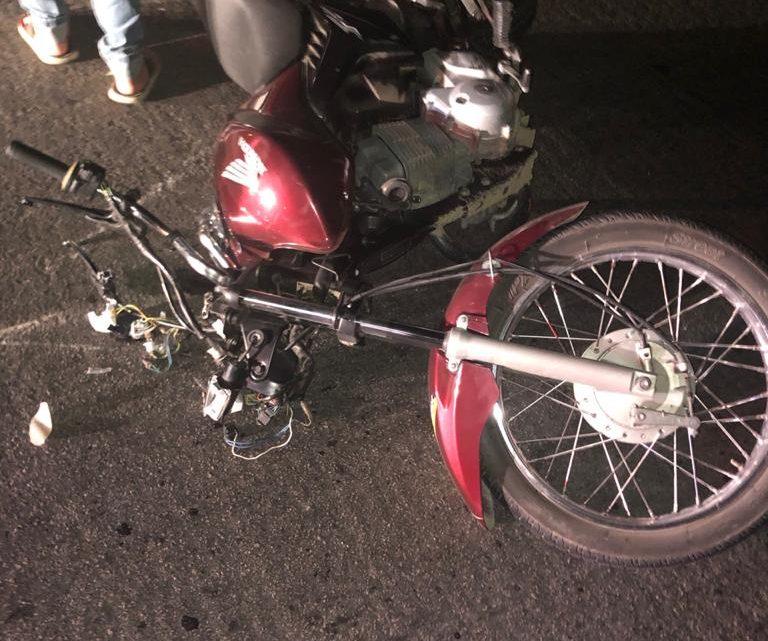Moto colide em vaca na BR 232 em Caruaru deixando mulher e animal mortos