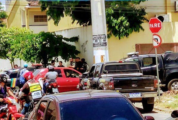 PM prende foragido da justiça após perseguição em Caruaru