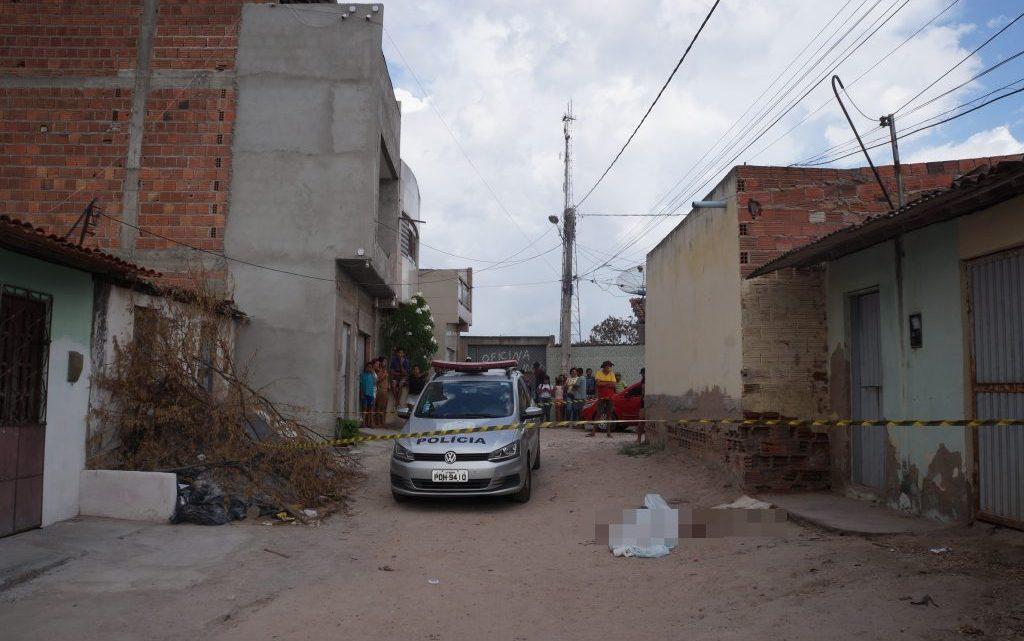 Adolescente de 13 anos é assassinada a facadas em Bezerros nesta quinta (17)