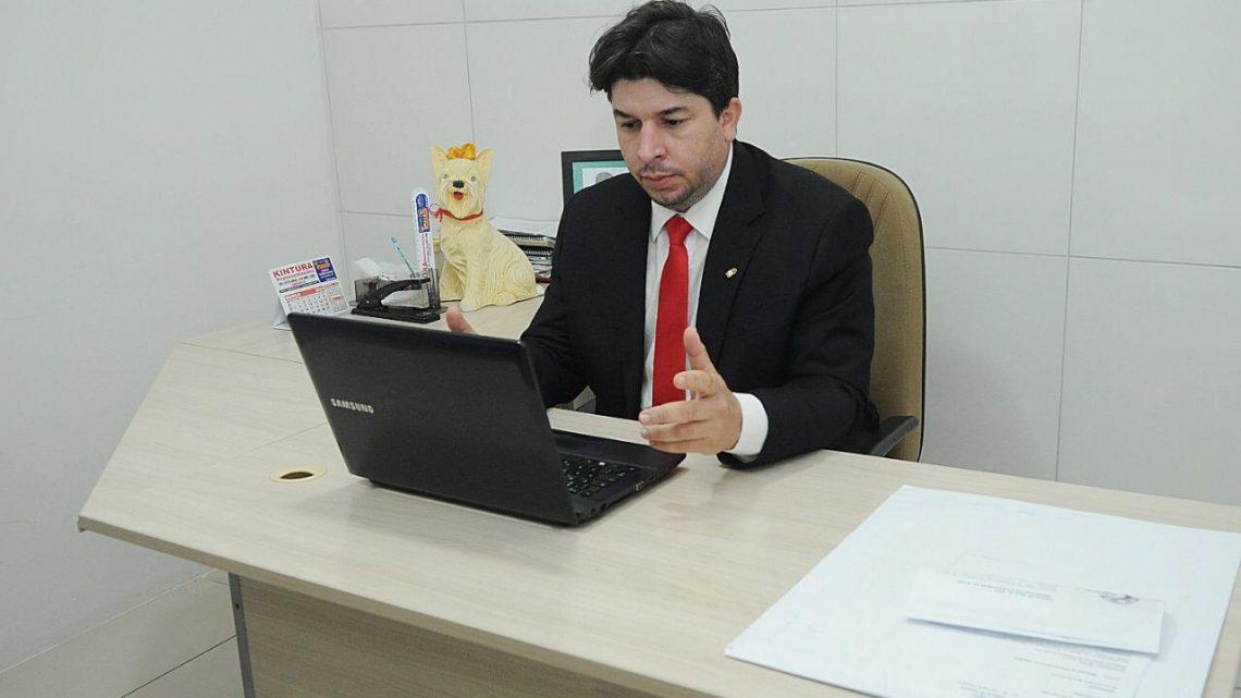 Fagner propõe criação do programa AME Animal itinerante em Caruaru
