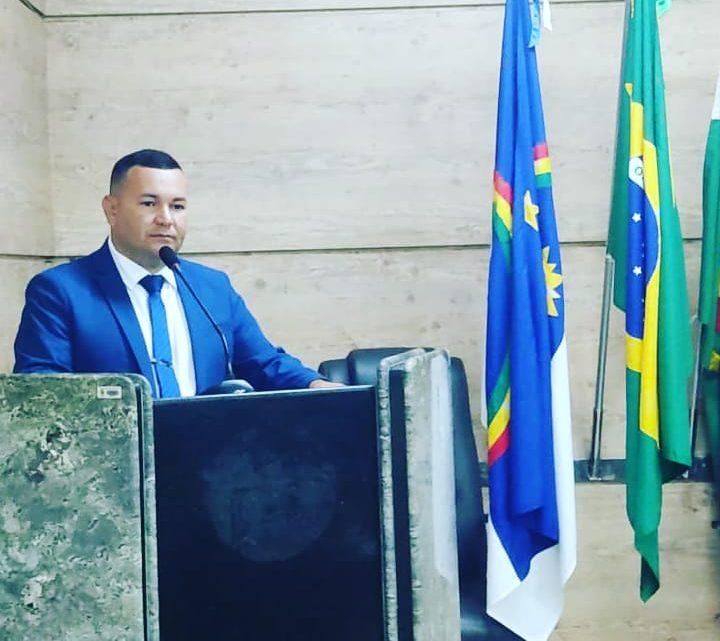 Vereador Cabo Cardoso pede a presença do Secretário Municipal de Educação na reunião da Câmara de Caruaru
