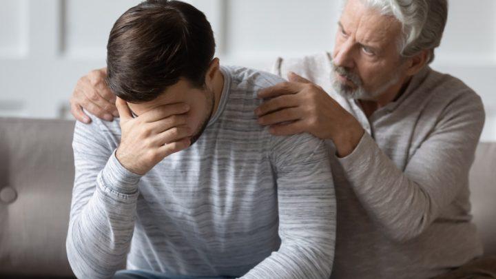 Luto do filho que perdeu a mãe: professor explica como se dá esse processo do luto, pelo viés psicológico