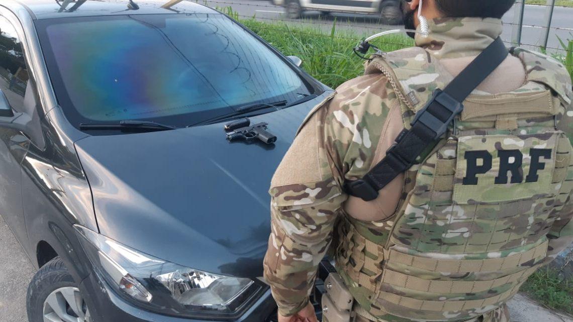 Motorista de aplicativo é detido com pistola e carro roubado no Recife