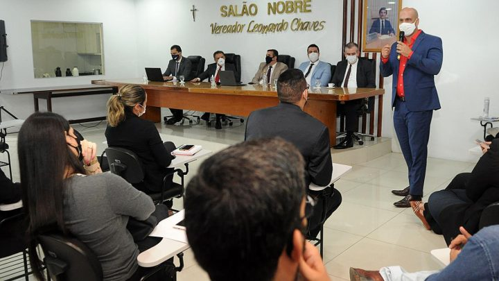 Em audiência pública, Anderson Correia repudia fechamento da Câmara do TJPE em Caruaru