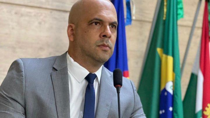 Anderson Correia faz pedido de informação sobre os procedimentos usados para a coleta de resíduos sólidos em Caruaru