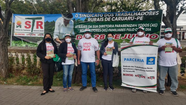 Sindicato dos Trabalhadores Rurais de Caruaru realiza ação na Feira de Agricultura Familiar