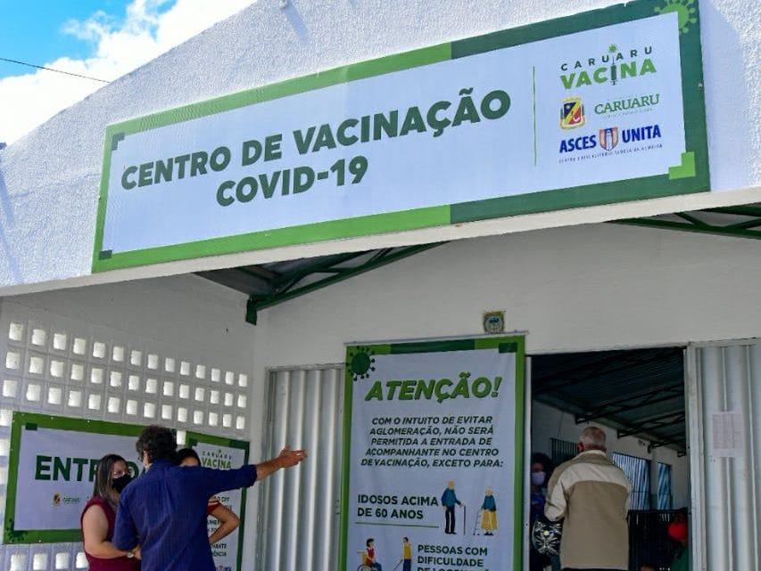 Caruaru fecha dois centros de vacinação contra covid-19, devido pouca demanda