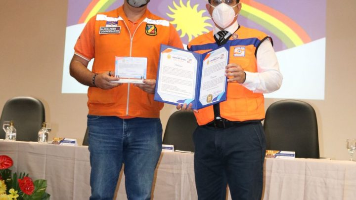 Defesa Civil de Caruaru recebe prêmio da Casa Militar de Pernambuco